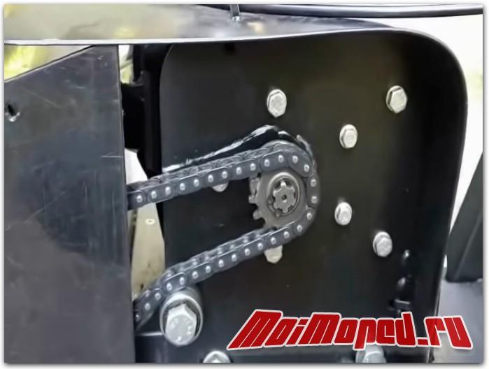 Мотовездеход с мопедным мотором 2х2