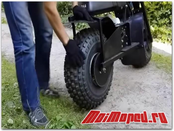 Мотовездеход с мопедным мотором